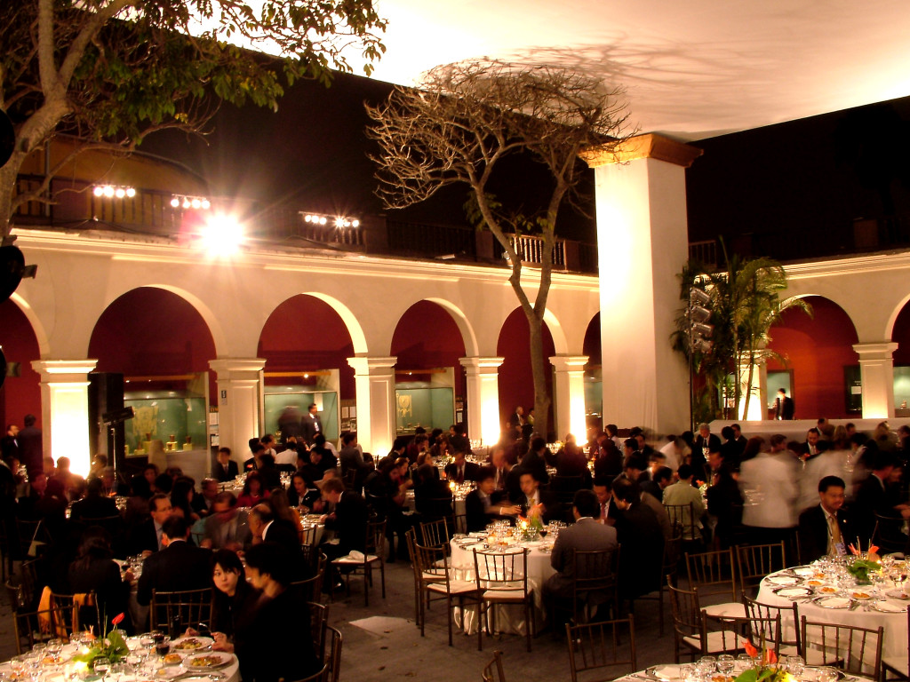 Event Design & Decor Agency in Paris - Gala Dinner decoration in France